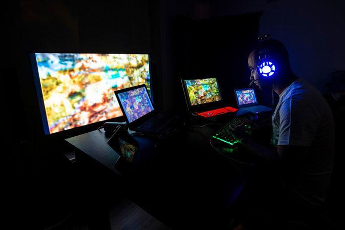 E-sport też bywa kontuzjogenny – jak nie zrobić sobie krzywdy grając w gry?