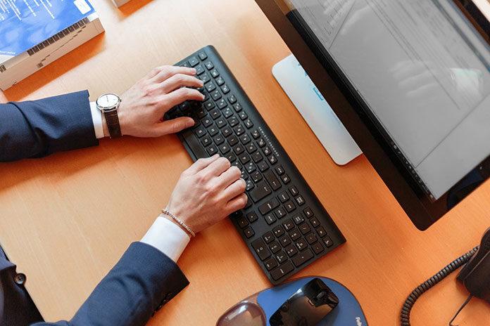 Jak sprawnie wystawiać faktury online